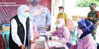 Gubernur Khofifah Minta Semua Pihak Maksimalkan Vaksinasi saat PPKM Darurat