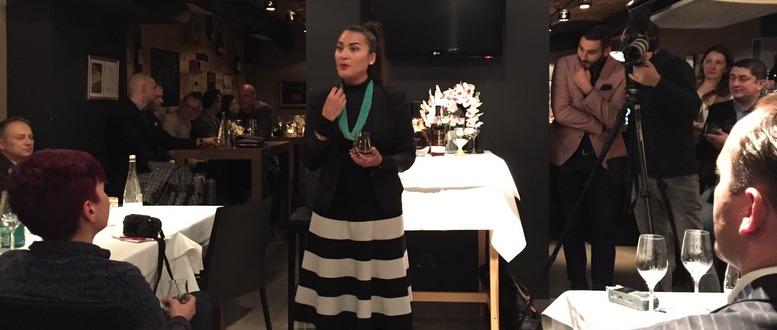 Rebecca Quinonez-predstavljanje