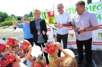 konzum-vratimo-djecu-na-igralista-virovitica-srpanj-2012-001