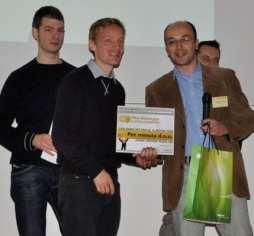 kresimir-macan-dodijeljuje-nagradu