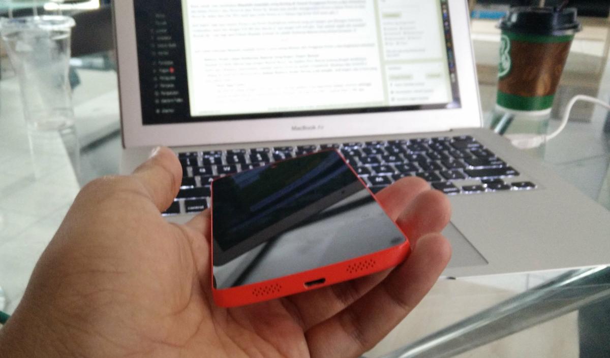 Nexus 5 Red dengan Android M