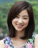 Senyum Jeon Soo-jin