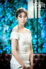 Uee atau Kim Yu-jin dalam Sesi Foto Marriage Contract