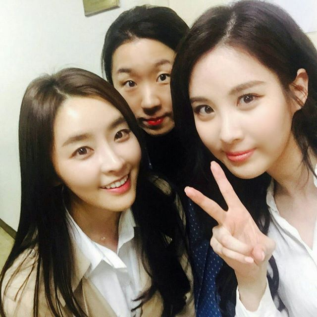 Offcial Instagram Seo Hyun Jin Photo Another Selfie