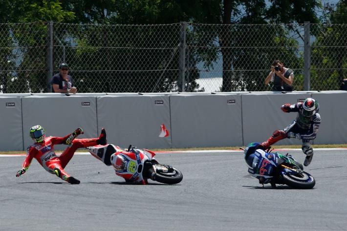 Clash Andrea Iannone Ducati Jorge Lorenzo Catalunya MotoGP