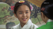 "Foto Kim So Hyun in K-Drama ""Rooftop Prince"""