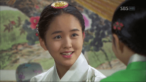 "Foto Kim So Hyun in K-Drama ""Rooftop Prince"""