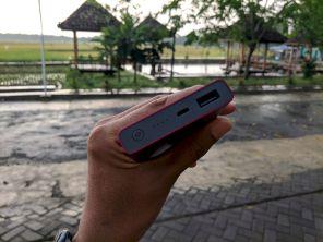 Interface Atas, Colokan Micro USB Dan USB Siap Untuk Mengisi Smartphone Mu