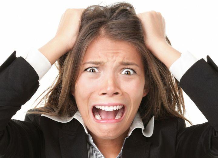 Stres Menyebabkan Kantung Mata 1