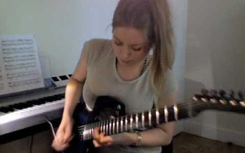 Comparte Síguenos Este vídeo que os propongo de la guitarrista Juliette Valduriez demuestra que el […]