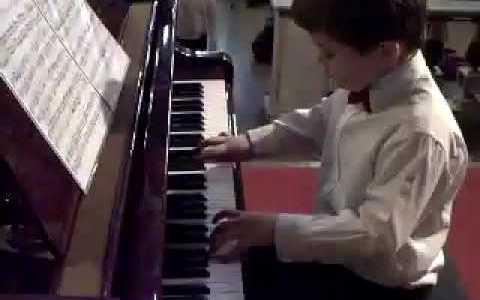 Comparte Síguenos Es descendiente del afamado compositor Franz Liszt y aunque sus progenitores no están […]