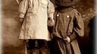 Comparte Síguenos Para la fiesta de hoy, os dejo esta inquietante fotografía antigua disfraces de […]