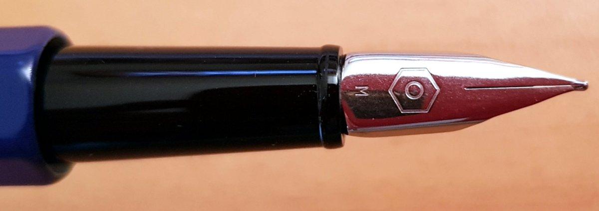 Caran D'Ache 849 Pop Line, la pluma para tu escribanía