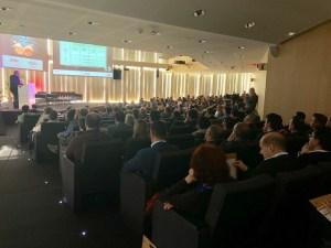 Conferencia de Javier Peris sobre Marcos Integradores (AXELOS®, COBIT® 5, VeriSM®, SIAM® y Praxis®) en el la VIII Jornada del Comité de la Comunidad Valenciana de itSMF España