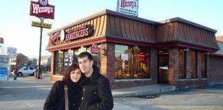 """Visitando el """"Mc Dowell's"""", el restaurante de """"El Príncipe de Zamunda"""", pero en la vida real"""