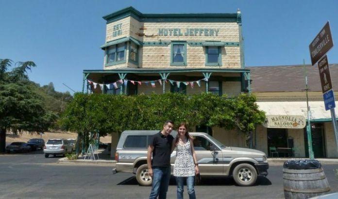 Nosotros en el Hotel Jeffery (Coulterville, California) en el verano de 2012