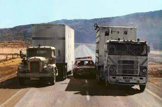 """Haciendo un sandwich con el coche del sheriff. """"Convoy"""" (Sam Peckinpah, 1978)"""