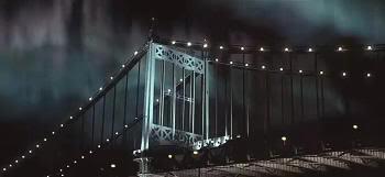 El puente de Queensboro y la aurora boreal (Frequency)