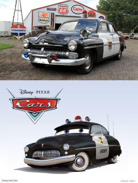 El sheriff es en realidad unMercury Club Coupede 1949