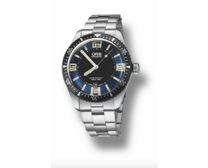 An image of a mens Oris Divers Sixty-Five watch front facing