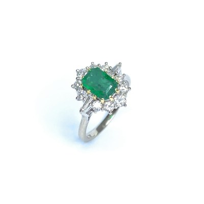 Second Hand Emerald & Diamond Ring in 18ct Yellow Gold