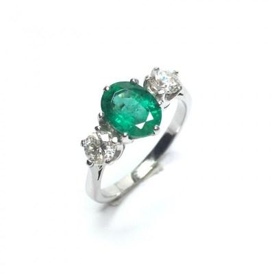 Second Hand Emerald & Diamond Ring in Platinum