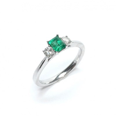 Second Hand Emerald & Diamond Ring in 18ct White Gold
