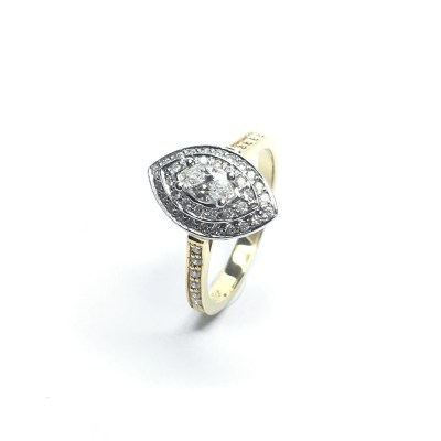 18ct Yellow Gold Diamond Oval Cluster Ring