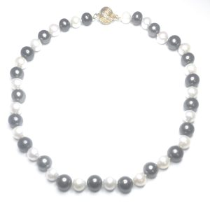 Second Hand Pearl Necklace With Diamond Set 18ct Yellow Gold Clasp