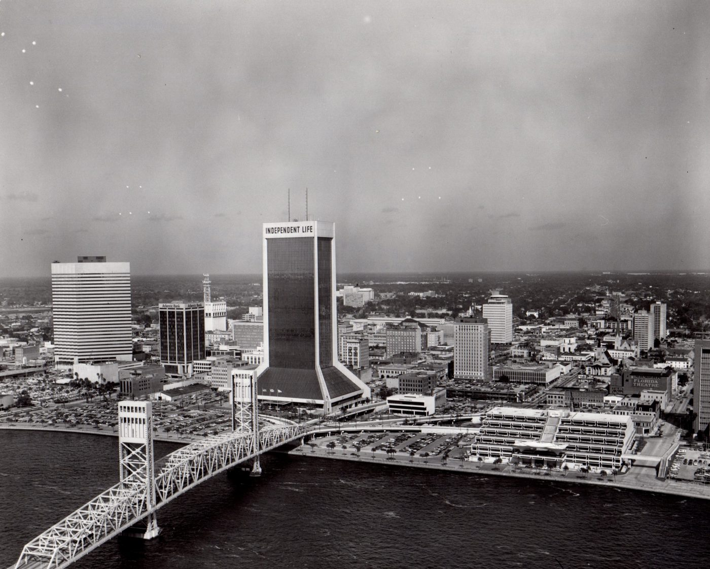 Independent Life Building, on the east side of Julia Street between Duval and Church Streets, held a commanding view of the St. Johns River, with the Main Street Bridge in the foreground.