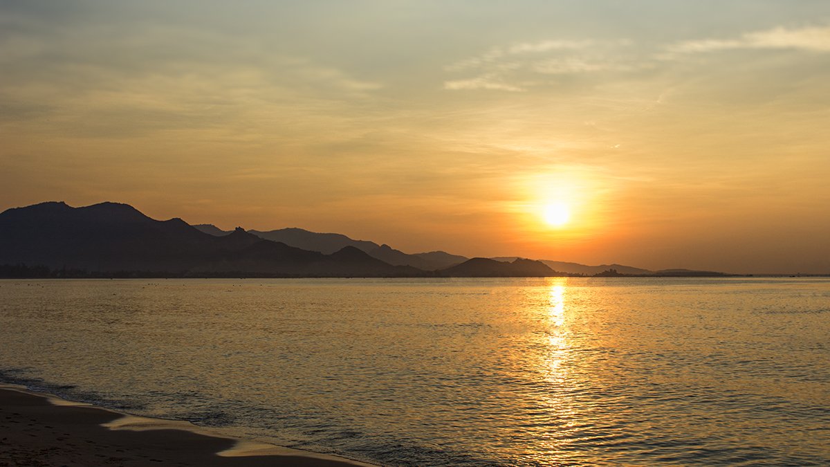 Here comes the sun...in Phan Rang, can you hear the Beatles singing it?