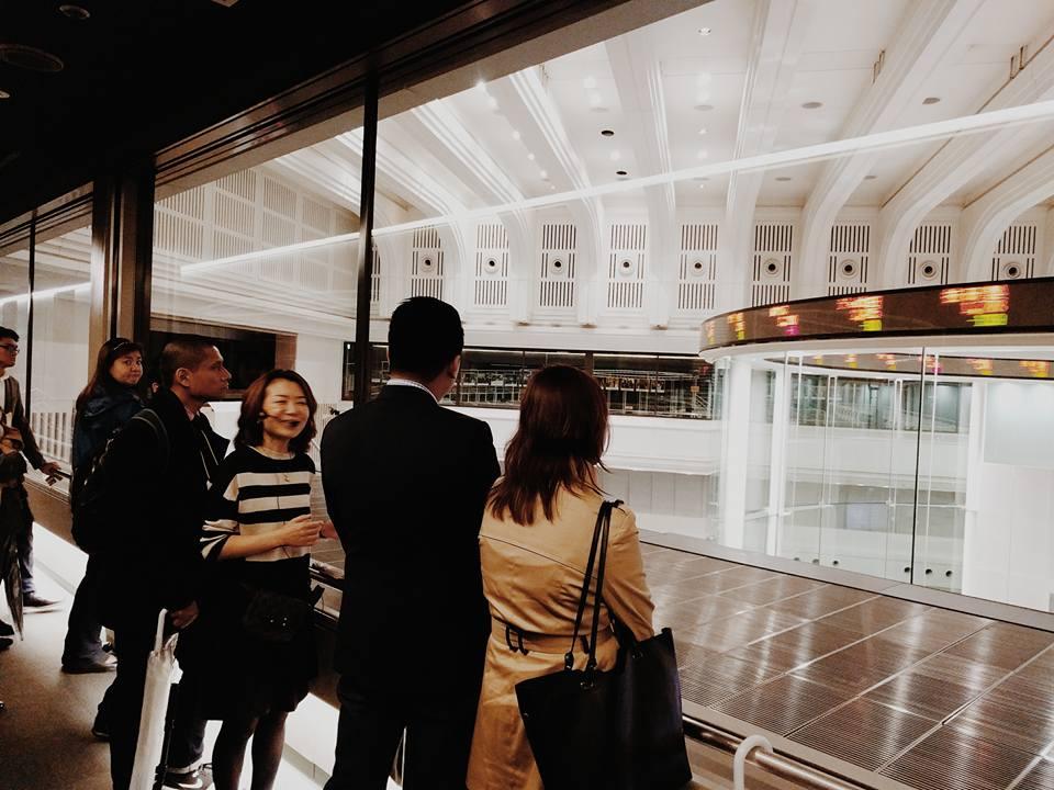 tokyo-spring-sakura-jay-e-tria-tokyo-stock-exchange