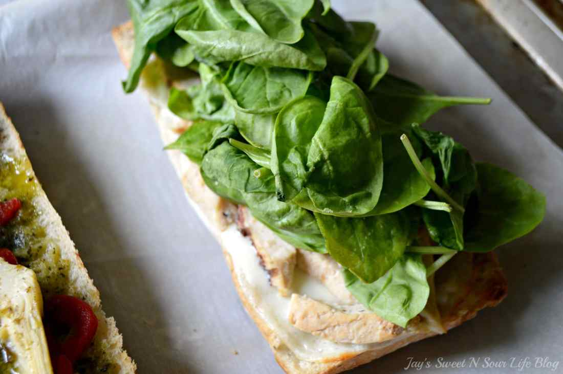 Chicken Artichoke Step 7. This Tuscan inspired sandwich is a wonderful blend of flavors that's perfect for a quick lunch, Boasting a perfect balance of sweet and savory.