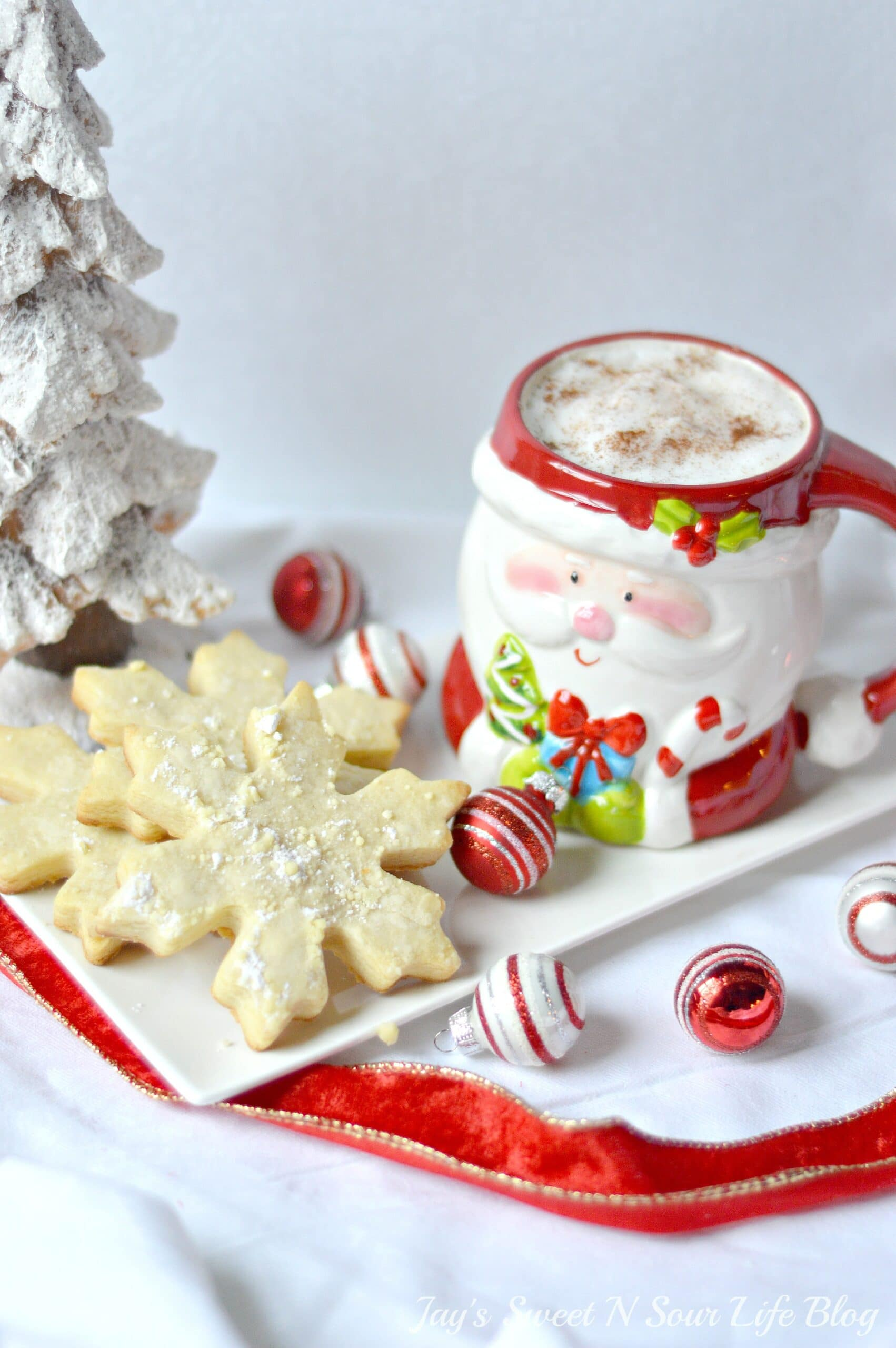 Santas milk and cookies latte. Treat Santa to his very own Santa's Milk and Cookies Latte, paired with a buttery snowflake cookie perfect for dipping. No milk frother needed, this delicious sugar cookie flavored latte and snowflake cookies make the perfect holiday treat duo.
