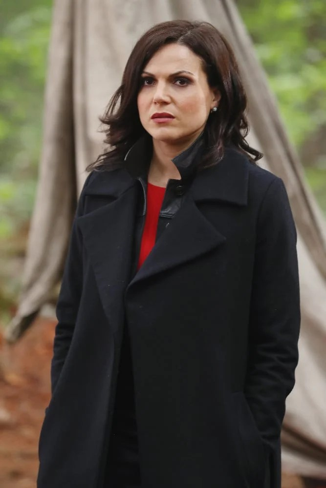 """ONCE UPON A TIME - """"The Savior"""" - As """"Once Upon a Time"""" returns to ABC for its sixth season, SUNDAY, SEPTEMBER 25 (8:00-9:00 p.m. EDT), on the ABC Television Network, so does its classic villain-the Evil Queen. (ABC/Jack Rowand) LANA PARRILLA"""