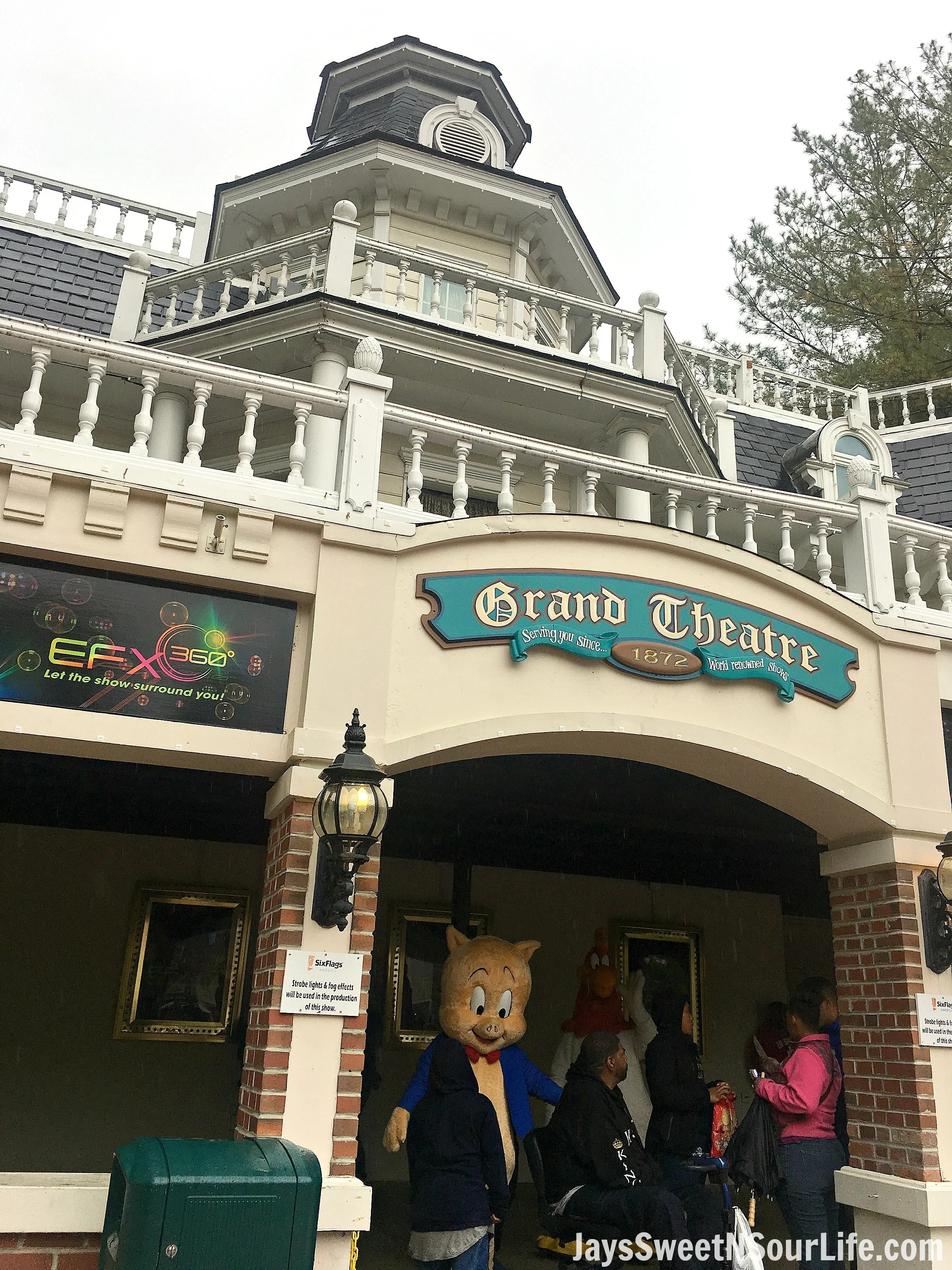 8 Tips For Rainy Day Fun At Six Flags America Theater. If you are planning a trip to Six Flags America and realized the weather calls for rain don't cancel your plans! These 8 Tips For Rainy Day Fun At Six Flags America will save the day.