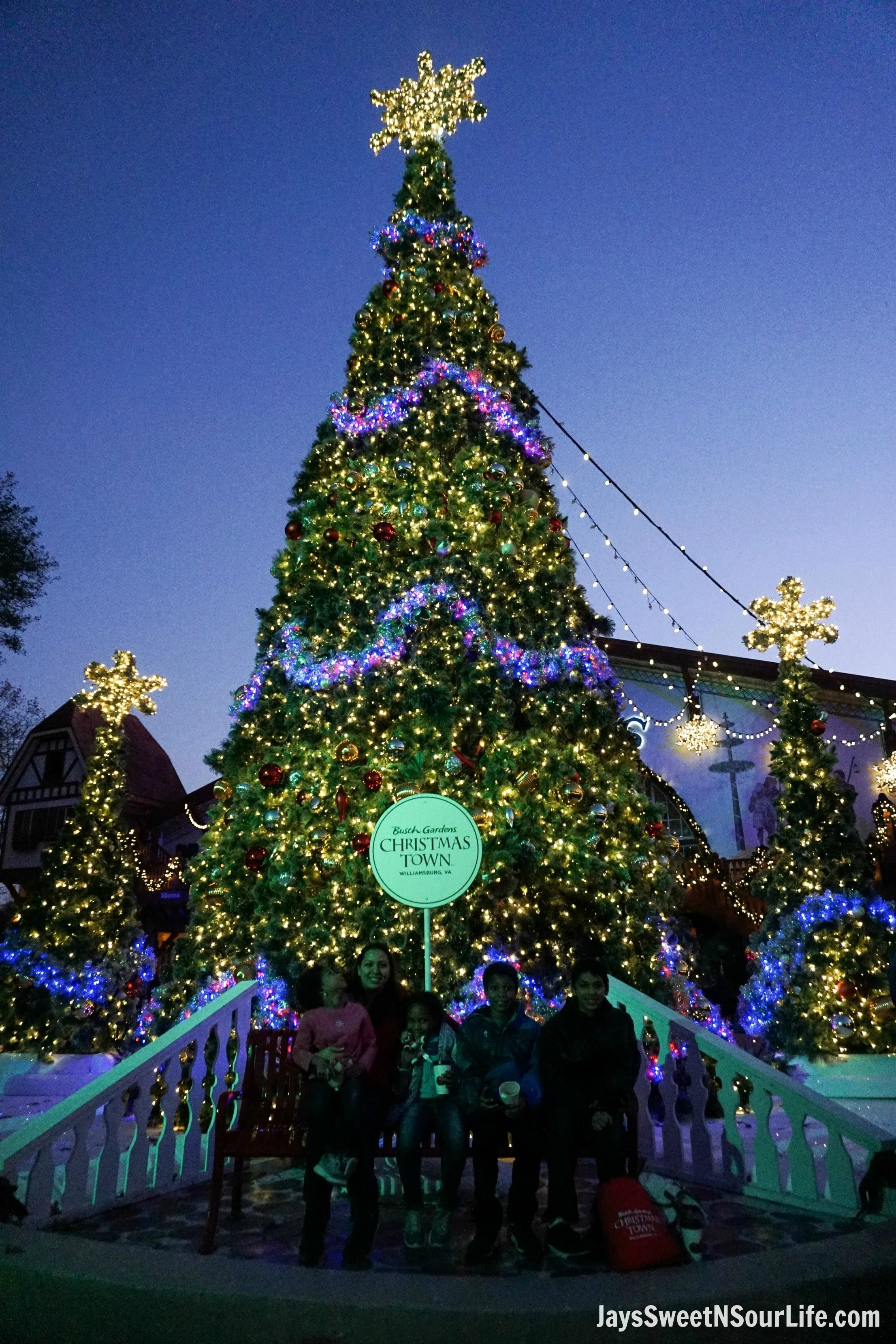 Christmas Town 2019.Christmas Town At Busch Gardens Williamsburg Jays Sweet N