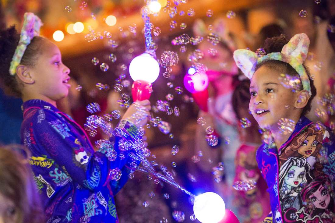 Spend some family time at the Great Wolf Lodge Williamsburg during their Spring-A-Palooza. Look out for their Bubble Dance Party packed with lots of adancing and bubbles.