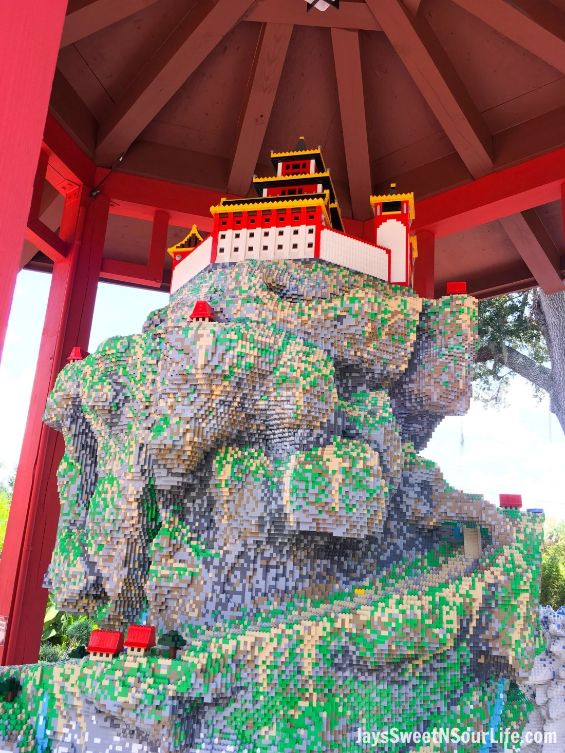 Legoland Florida Ninjago World Zanes Temple Build. Spend your summer building memories at Legoland in Florida. There is something for the whole family to enjoy at this wonderful Theme Park.