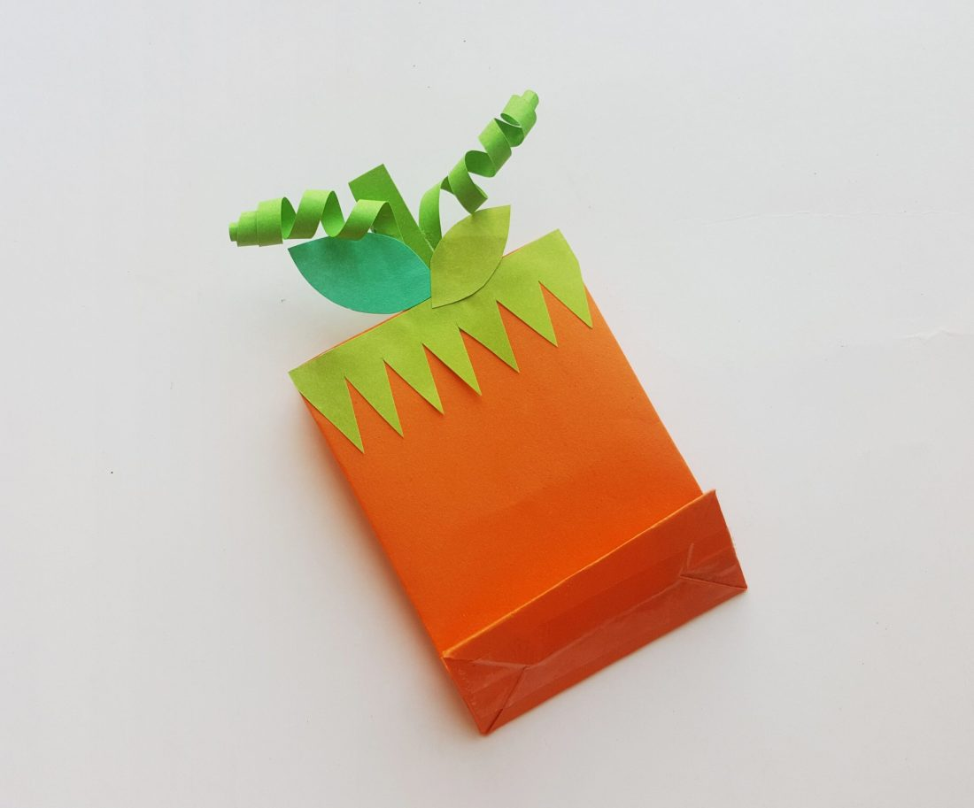 Pumpkin Trick or Treat Bag Step 4. These cute pumpkin trick or treat bags are perfect for Halloween themed class parties, easy to follow and fun to hand out to friends.