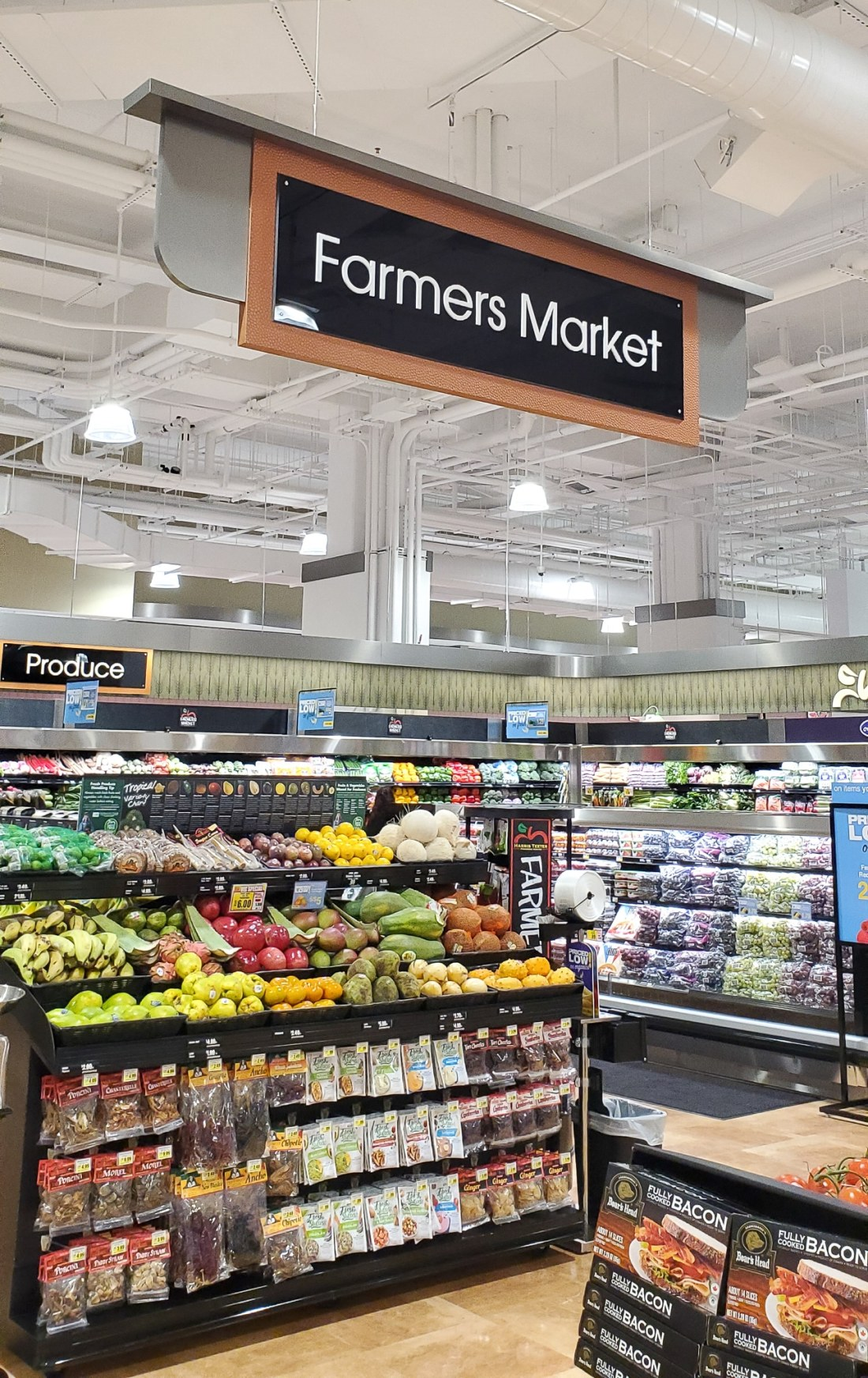 Farmers Market Harris Teeter. Harris Teeter not only sources its meat locally, but they also source their produce from local farmers in Virginia. Bringing local farmers produce straight to you with the Harris Teeter Farmers Market.
