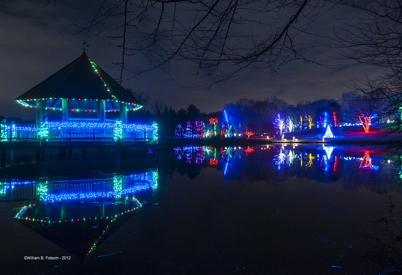 Winter Walk of Lights at Meadowlark Botanical Garden. Bring your family and friends to be dazzled by the magical Winter Walk of Lights at Meadowlark Botanical Gardens in Vienna, Virginia. Every year from mid-November until just after New Year's Day, the garden is transformed into a half-mile, walk of lights