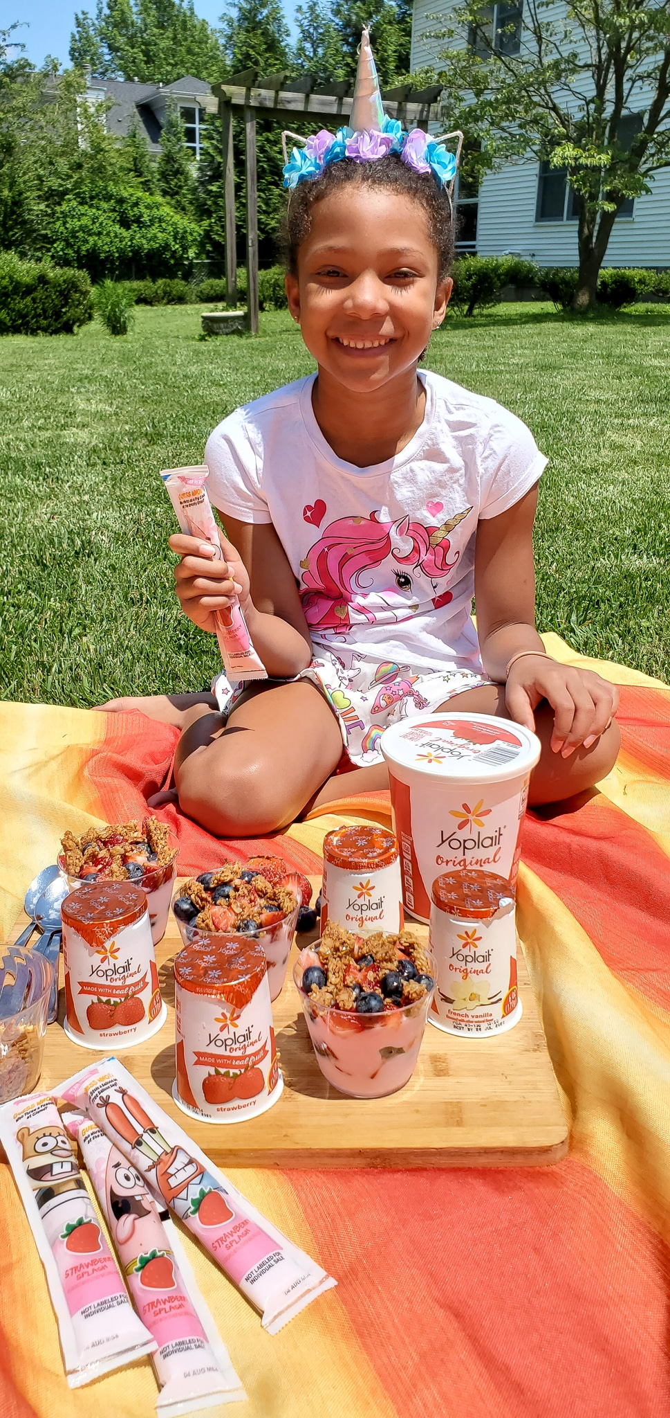 Backyard Picnic with Yoplait Esuun. Grab your picnic baskets! It's time to host your very own backyard picnic featuring the foods your family loves. No need to leave home for this bunch of fun, just pick a date and then prep your picnic baskets.