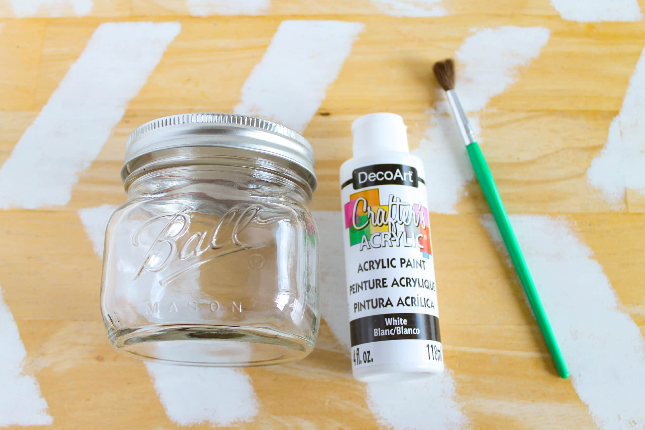 Mason Jar Craft Jack Skellington Supplies. This Jack Skellington Mason Jar Halloween Craft is the perfect way to creep your way into the Halloween season. Fill it with your favorite candies and treats, it's the perfect Halloween Craft that you can keep or gift.