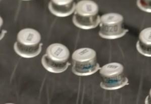 BOSS Waza TB-2W Tone Benderに使われたゲルマニウムトランジスタは何?映像じっくり観察してみて判ったこと