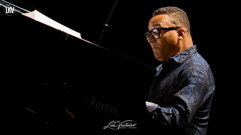 貢薩洛·魯巴卡巴(Gonzalo Rubalcaba)盧卡‧範圖索 爵士音樂人