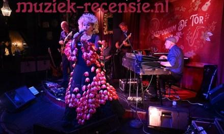 Jazzstilte fleurig doorbroken