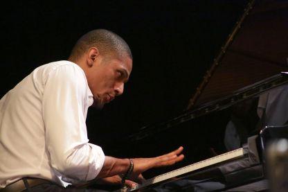 Privat,_Gregory_-_Jazz_Racine_Haiti_(dombr)