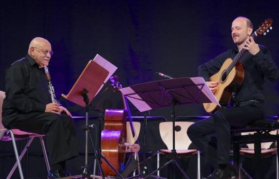 Giora Feidman (cl), Johannes Tonio Kreusch (g), Gitarrenfestival Hersbruck, Geru-Halle, Foto Ralf Dombrowski