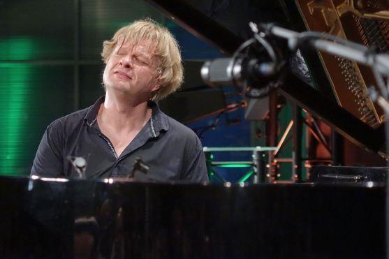 Jazz-Klavierkunst im Bild: Ralf Dombrowski beobachtete den finnischen Pianist Iiro Rantala bei der Preisverleihung des JTI Jazz Award in Trier